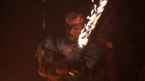 Beric Dondarrion, líder de la Hermandad sin estandartes.