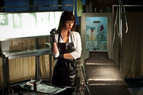 Katharine+Isabelle+in+American+Mary
